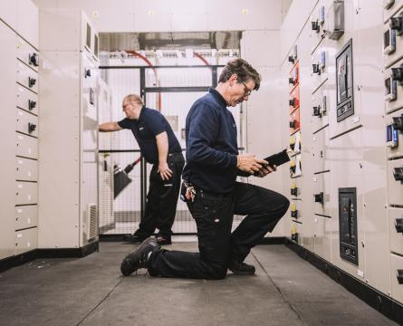 Hemlow engineer on site
